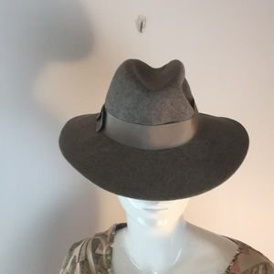 Ladies grey wool fedora Liz Claiborne